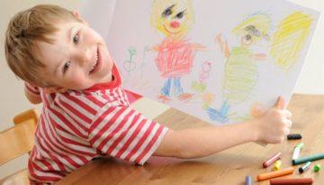 Crianças com síndrome de down na sala de aula