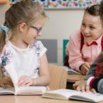 Os benefícios e as formas de fazer o aluno ler em voz alta
