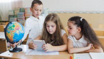 Como professores podem adaptar a alfabetização na era digital