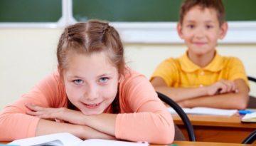 No dia das comunicações, alunos em silêncio antes de dialogar entre si