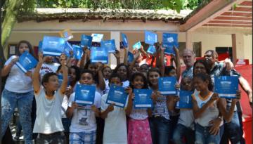 Alunos lançam livro em parceria com a Estante Mágica e o Projeto Semeando
